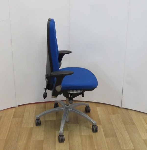 RH logic 400 ergonomic chair