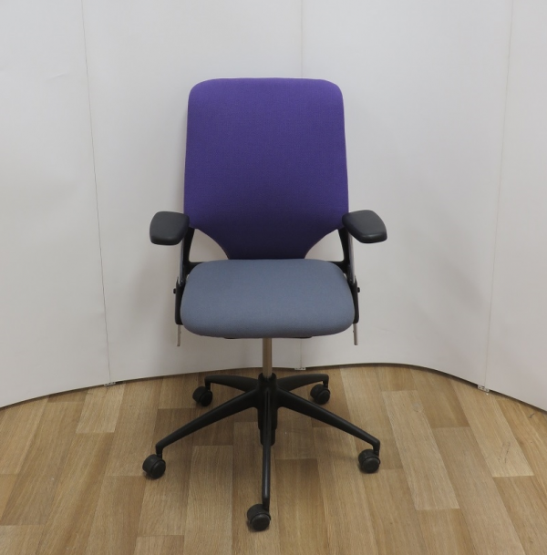 Vitra Meda 2XL Chair