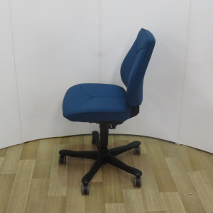 Kinnarps 6231 Task Chair without arms